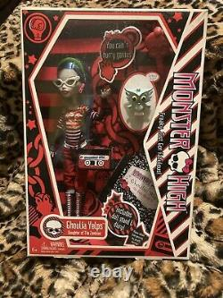 2010 Monster High GHOULIA YELPS First 1st Wave Original Doll NIB RARE Retired