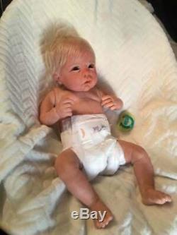 Custom reborn newborn baby lifelike fakedoll silicone vinyl boy girl chloe linda