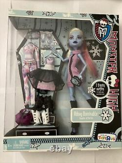 Monster High Abbey Bominable 3 Frosty Outfits First Wave Exclusive Rare New
