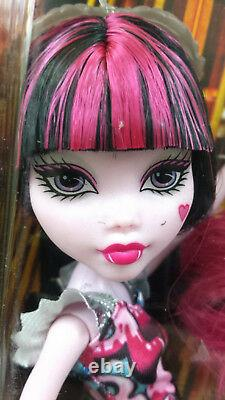 Monster High Boo York Out of Tombers Dolls 3 Pack Catty, Draculaura and Clawdeen