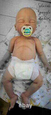 22 Nouveau-né Full Body Silicone Baby Girl Doll Riley