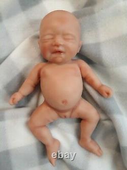 7 Micro Preemie Corps Complet Silicone Bébé Fille Poupée Madison