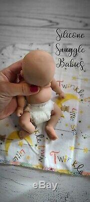 8 Micro Prématuré Full Body Silicone Baby Girl Doll Izzy