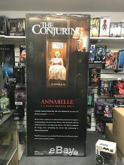 Annabelle Doll La Conjuration Par Trick Or Treat Studios 11 Échelle Prop Stock