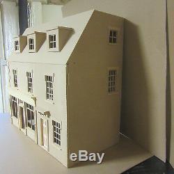 La Maison Belmont Avec Une Grande Boutique 12 Échelle De Maison De Poupées Kit Par Dhd