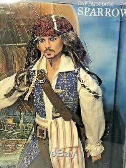Le Capitaine Jack Sparrow Pirates Des Caraïbes La Fontaine De Jouvence Barbie Johnny Depp