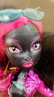 Monster High Boo York Out Of Tombers Dolls 3 Pack Catty, Draculaura Et Clawdeen