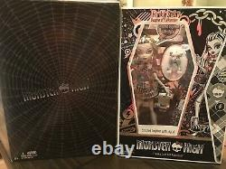 Monster High Sdcc 2010 Noir Et Blanc Exclusif Frankie Stein Comic Concef