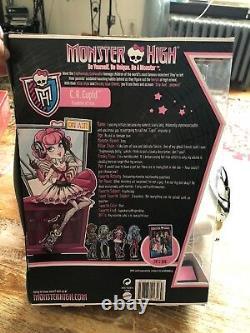 Monstre High C. Une Fille Cupidon D'eros. Inb 2011