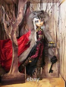 New & Sealed 2014 Sdcc Mattel Ever After High Doll Cerise Wolf Monster Comic-con