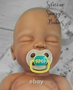 Nouveau 22 Nouveau-né Full Body Silicone Baby Girl Doll Riley