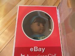 Nouveau Dans La Boîte American Girl 18 Melody Doll Avec Livre Outfit Peau Foncée Cheveux Noirs