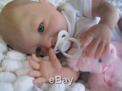 Poupée Bébé Reborn Enfant Aubrey Dan A Sunbeambabies (habillé Similaires)