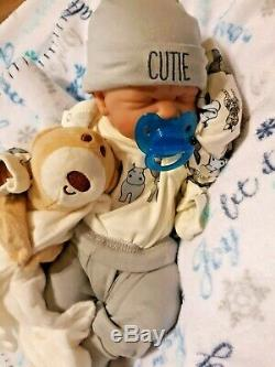 Prématuré Premières Larmes Baby Boy Doll Real Boy Avec Extras Bébé Prend Un Pacifier