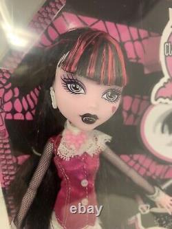 Première Vague! Nib Draculaura Fille De Dracula Monster High Doll