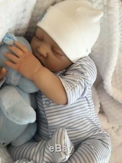 Réincarné Baby Boy Doll Noah Bébés Fake Main Réaliste Painted 22 Big Nouveau-né