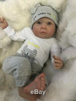 Réincarné Baby Boy Doll Wide Awake Jack Fausse Main Réaliste Peint 22 Nouveau-né